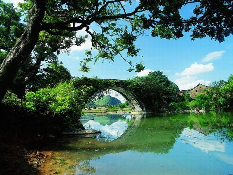桂林景点景区-遇龙河