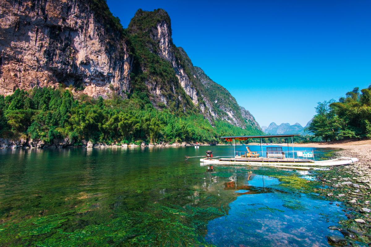 桂林景点景区-漓江竹筏